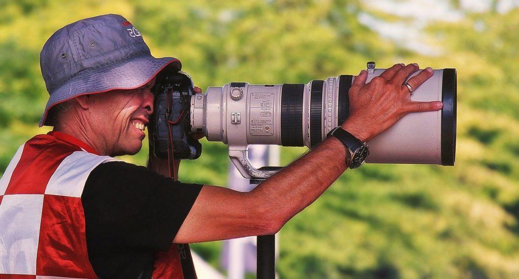 Fotograf mit Objektiv